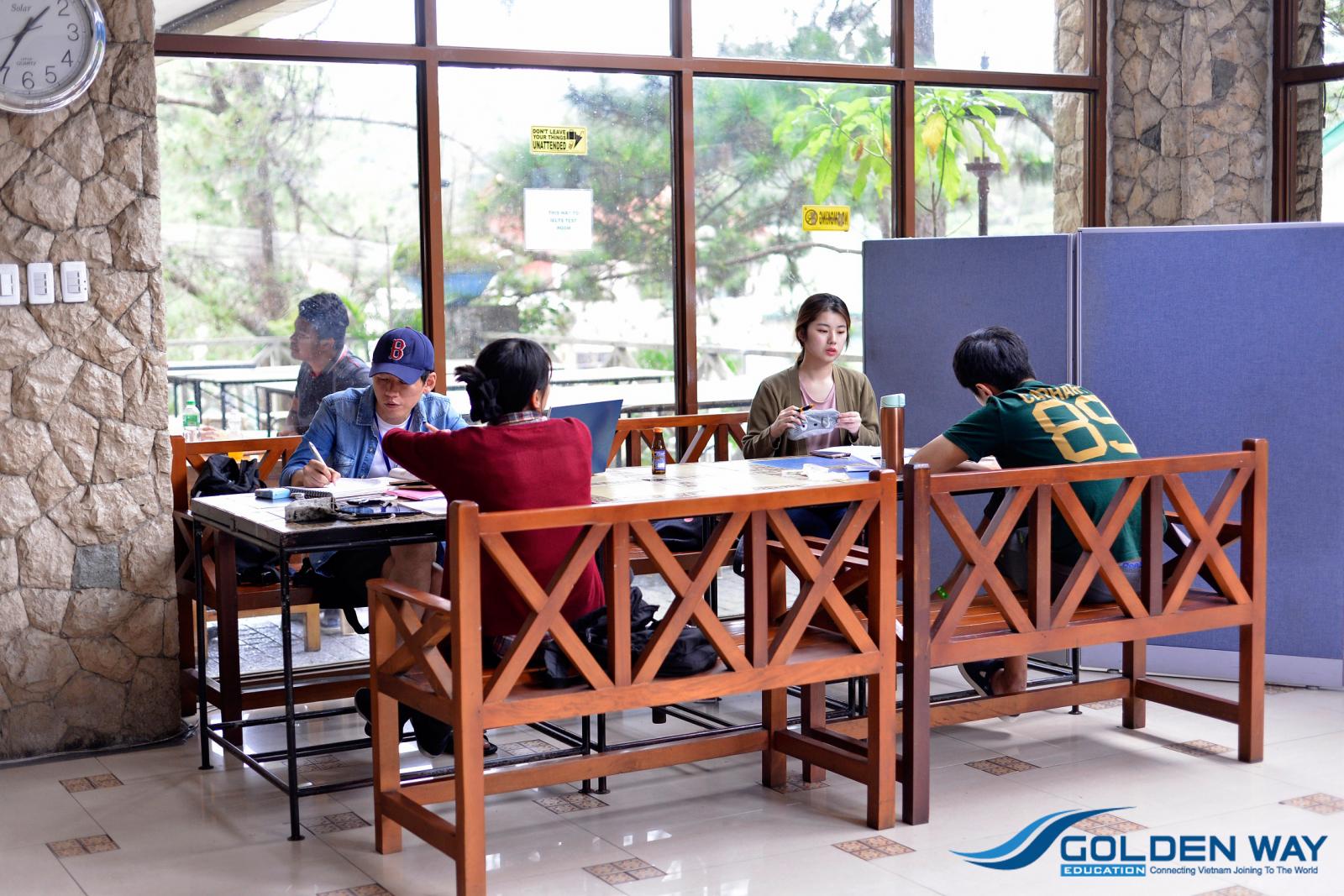 Học đại học chuyển tiếp tại philippines